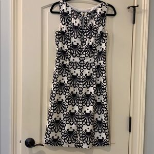 Milky size 8 black off white dress